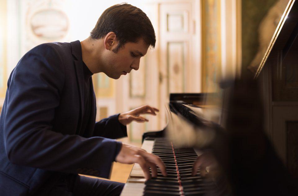 Mark Taratushkin, Pianist